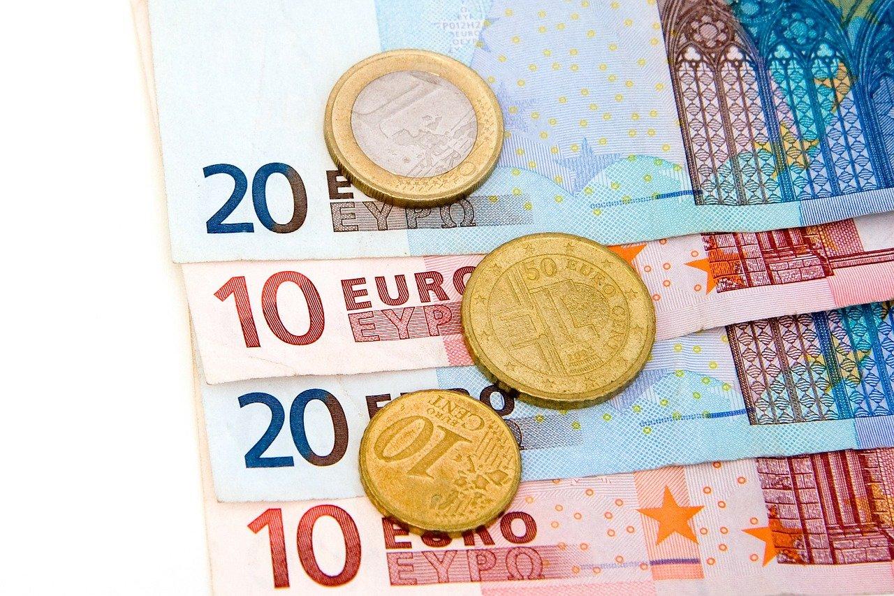 Bespaar ook maximaal op de maandelijkse vaste lasten